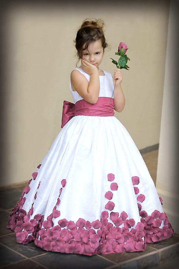 b078d247b55 Round Neck Girls Princess Dresses Flower Girl Dresses Blue Red Purple Kids  Dresses Baby Clothing Birthday Party Dress Party Gown Kids Formal Dress