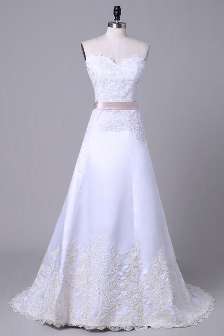 Bridal Dresses Wedding Gown White Wedding Dresses Sweetheart Lace Appliqued A-line Bridal Gown Chapel Train Classic Style Wedding Gown Custom Made